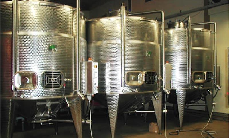 Impianti elettrici - automazioni - Specializzazioni nel settore vinicolo
